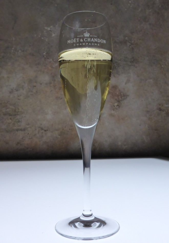 Tasting Möet&Chandon Champagne