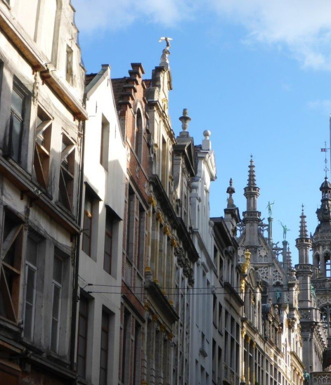 Streets and houses in Brussels, Belgium5