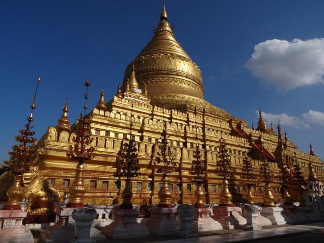 Shwezigon Pagoda. Bagan, Myanmar