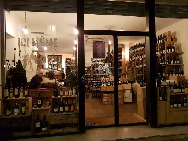 Ici Meme, a great place for wine! Food tour Paris, France. Withlocals