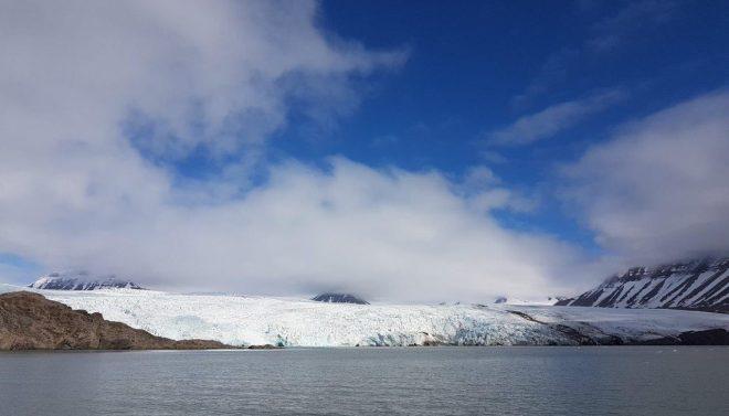 Nordenskiöldbreen glacier near Pyramiden. Svalbard. Spitsbergen. Norway
